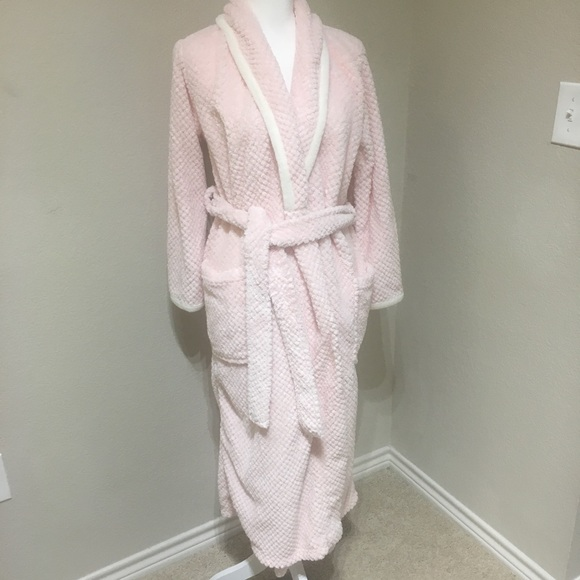 Carole Little Other - Carole Little Fluffy Pink Robe M 0eee74034